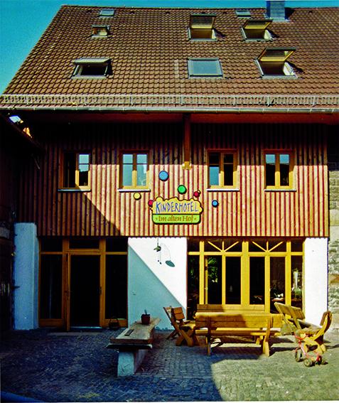 Aussenfassade Kinderhotel